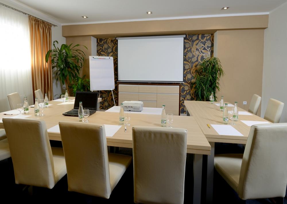 salonik business prezentácia martin firmy hotel bystrička