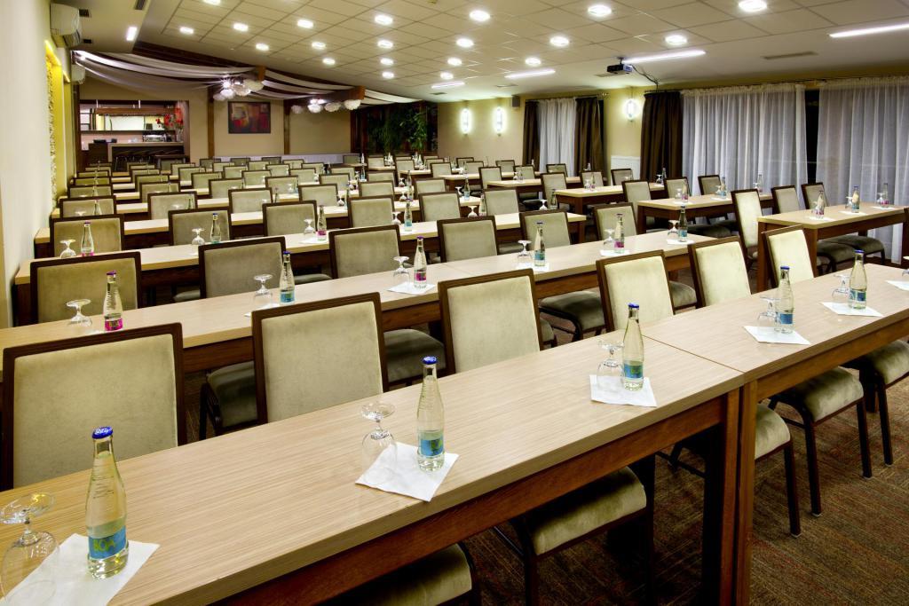 Kongresová miestnosť sedenie detail hotel bystrička martin